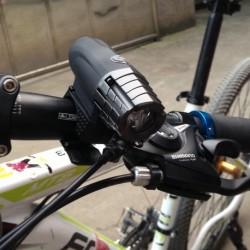 200LM USB újratölthető LED Bike fény Front  Kerékpár biztonsági lámpa vízálló