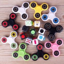 Divatos Cool FIDGET SPINNER stresszoldó pörgettyű játék koncentráció fejlesztő kocka