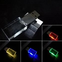1 db Crystal USB flash meghajtó W / LED fény 16 8GB Alfa Romeo autóhoz