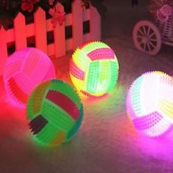 LED villogó világító röplabda színe megváltozó pattogó sündisznó labda gyerekek játék