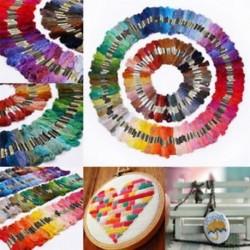 50db Multi Colors Skeins a hímzéshez varrással A pamut keresztszálas öltés