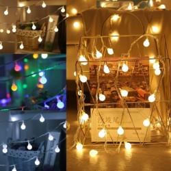 LEDes lámpák, fehér golyós tündérfüzérlámpákkal, otthoni kerti party dekorációs lámpákkal