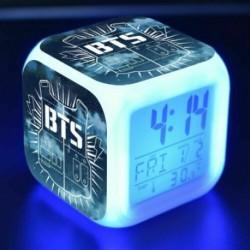 2 - BTS Bangtan Boys LED Nachtlampe színes váltó Lichter digitális riasztó Wecker mód