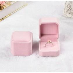 Rózsaszín - Gyémánt gyűrűs doboz fehér színes bársony ékszerek ajándék esküvői ajánlat eljegyzés