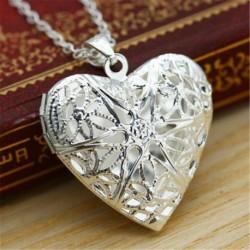 Ezüst színű szív alakú medál lánccal - fényképtartós - Elegáns nyaklánc