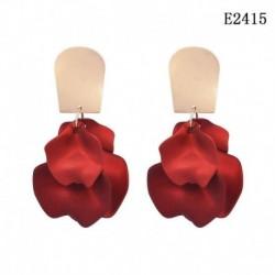 E2415 - Piros rózsa akril szirmai bojt fülbevalók női esküvői fül kiegészítők ajándékok