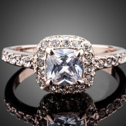 Gyönyörű női eljegyzési gyűrű ajándék ékszer