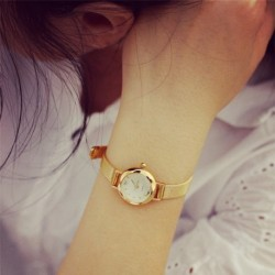 1db Divatos Női Arany színű kis kerek karkötő óra